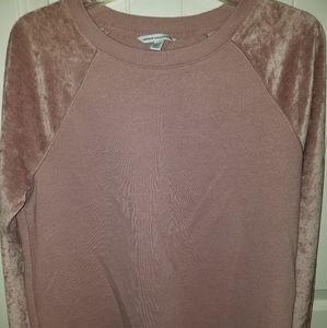 AMERICAN EAGLE blush pink baseball style sweater